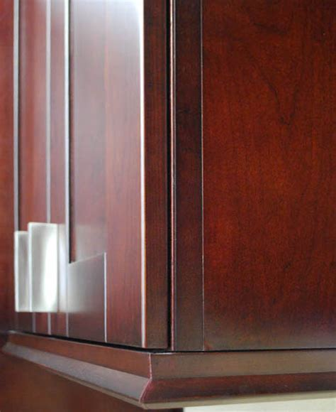 Scribe Cabinet by End Panel Article
