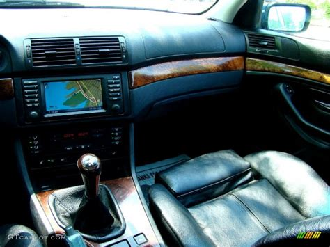 2002 bmw 5 series 525i wagon black dashboard photo