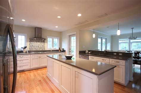 Kitchen Designs With Black Cabinets by White Kitchen Oak Floors Traditional Kitchen Dc