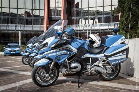 polizia di stato banche dati auto e moto nuove per la polizia stradale a bordo delle