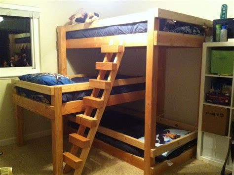 Three Bed Bunk Beds 3 Bed Bunk Bed Bunk Bed Plans Pair Of Bunk Great Built In Bunk Room For