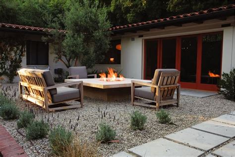 10 great outdoor fireplaces gallery garden design