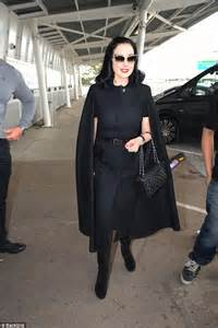 When Wear The Same Dress Dita Teese by Dita Teese Wears Same All While Travelling For