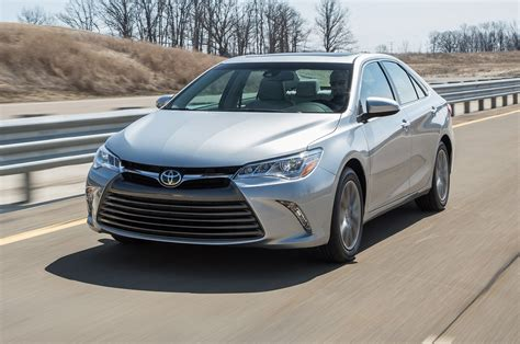 toyota 2015 models 2015 toyota camry real mpg vs the competition motor trend
