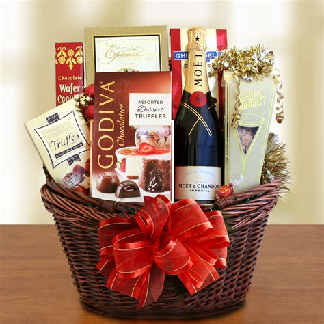 Cl Ic Moet Champagne And Cho Late  Ee  Gift Ee   Basket Wine