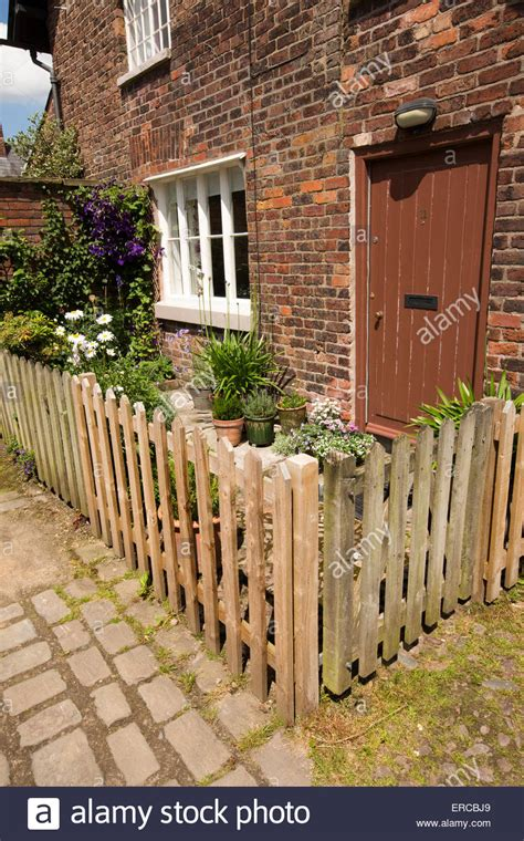 small fence small garden picket fence 28 images 25 best ideas about fence garden on