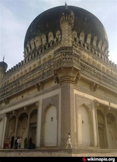 biography of muhammad quli qutb shah tomb of muhammad quli qutb shah hyderabad