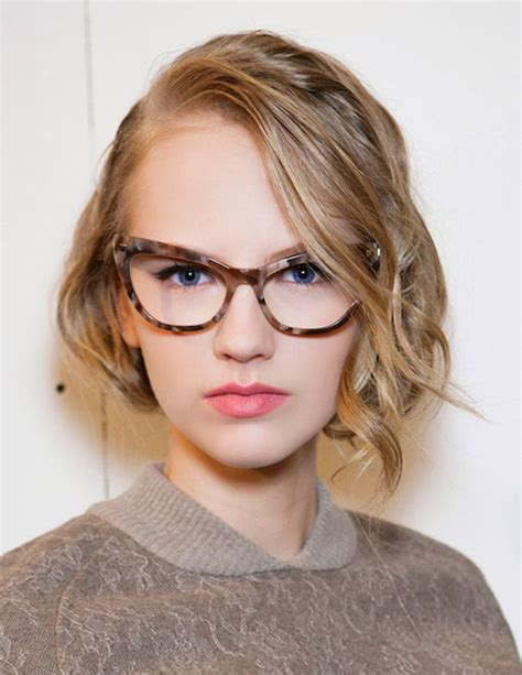 Hairstyles Glasses by 20 Best Hairstyles For With Glasses Hairstyles
