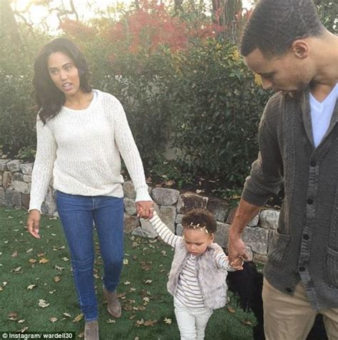 stephen curry new baby watch out riley nba player stephen curry and his wife