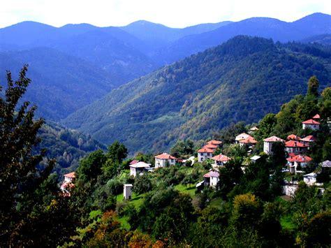fans  hiking   visit  picturesque country  bulgaria   mountsorrel