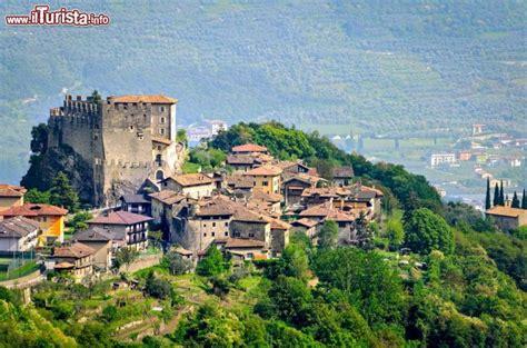 rurali alto adige di tenno borgo trentino vicino al foto