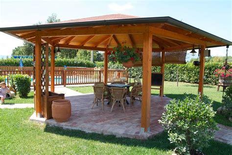 gazebi in legno usati modelli di coperture in legno lamellare coprire il tetto
