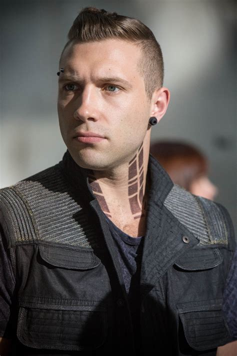 mens hair styles divergent imagini divergent 2014 imagine 22 din 116 cinemagia ro
