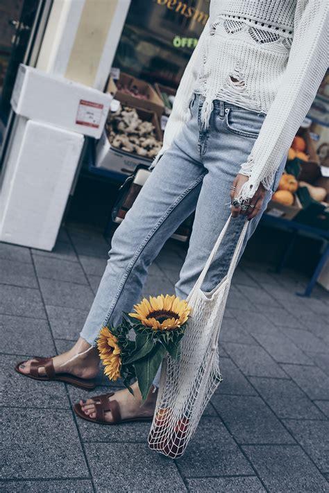 Repeat Trend Wedges by Hermes Oran Sandals Net Bag Summer Trend 2017