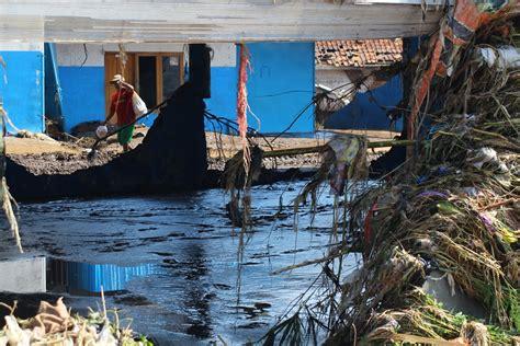 Kapan Air Turun memprihatinkan ternyata ini penyebab banjir bandang garut mongabay co id