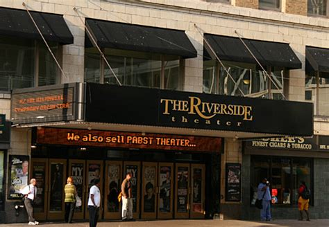riverside haunted house milwaukee haunted house riverside theater hauntedhouses com