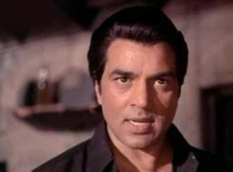 film star dharmendra ki jivani dharmendra birthday special top 5 looks of the veteran