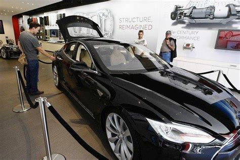 Tesla Dealer Network Electric Car Maker Tesla Bucks Traditional Dealership