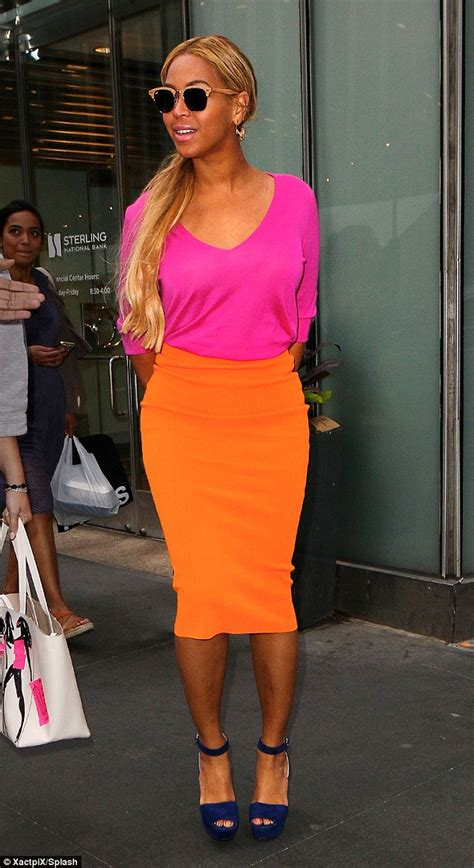 Mini Big Orange Pink beyonce sends sparks flying in second electric pink and