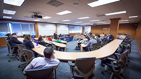 Fiu Healthcare Mba Cost by Healthcare Executives Offer Fiu Students Insights Into A