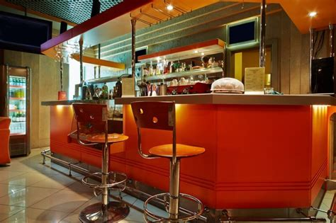 California Stools Bars Dinettes by Choosing Between Wood And Metal Barstools California