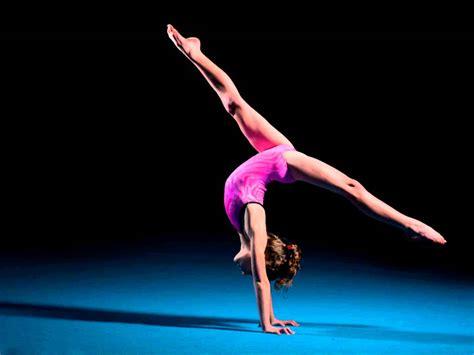 Amazing Floor Routine Gymnastics by 2 Cellos Smooth Criminal Gymnastics Floor Routine