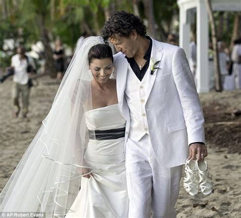 dierks bentley wedding first picture of shania twain on her wedding day daily