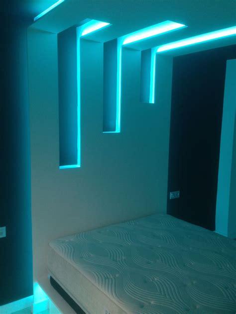 cabecero de cama iluminado  tiras de leds rgb pisos