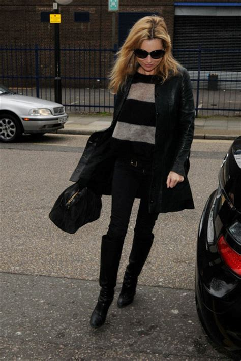 kate moss knee high boots kate moss looks stylebistro