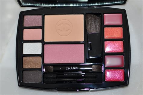 And Color Icon Blush Chagne Blushon Blush On chanel travel palette fab 40