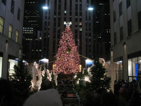 see the christmas tree in rockefeller center new york