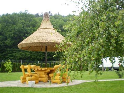 strohdach pavillon pavillon mit strohdach der regenschirm aus schilfrohr