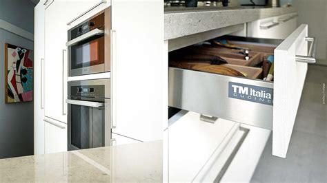 platano cucina cucina in platano su misura freestanding in composizione