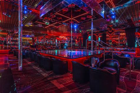 top vegas strip bars crazy horse 3 tour the hottest strip club in las vegas