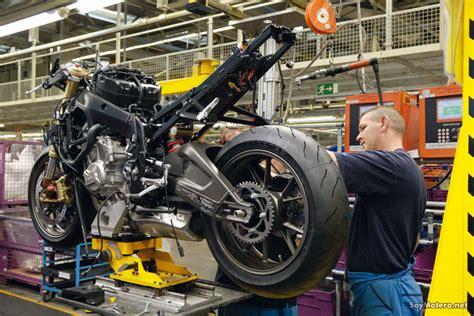 cadenas moto action construcci 243 n de una bmw s 1000 rr en la cadena de montaje