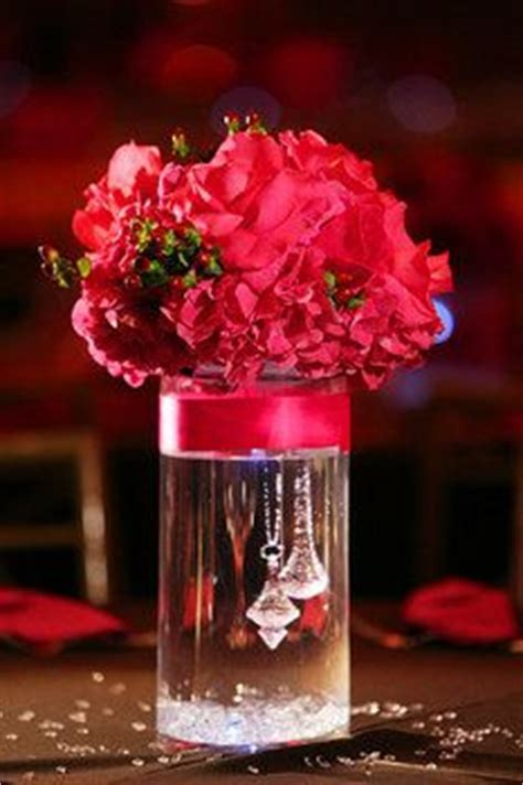 vase ideas for centerpieces 1000 ideas about cylinder vase centerpieces on