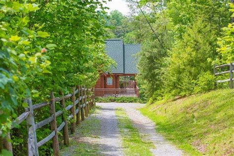 Awesome Patriot Getaways Pigeon Forge Cabins #2: Natures-paradise-25-600x400.jpg