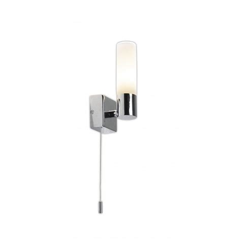 Bueno Ip44 Bathroom Wall Light With Pull Switch