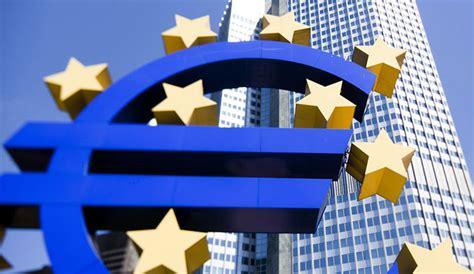 tassi di interesse banche mario draghi taglia i tassi e critica le banche