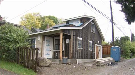 house insurance montreal growing popularity of laneway houses raises concerns about insurance ctv news