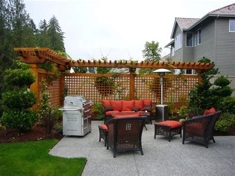 Privacy Fence Ideas For Backyard Mr Adam Pictures Of Landscaping Between Houses