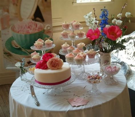 pastel decorado bonito mesa del pastel decorada imagui