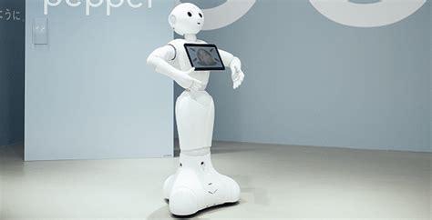 robot da casa robot per la casa da pepper la tata robot a ciros il