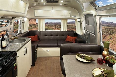 2017 International Serenity Décors & Interiors   Airstream.com