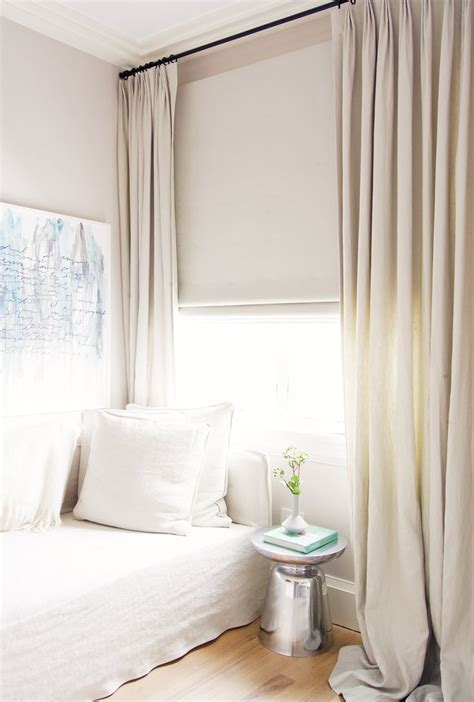 small bedroom window curtains 25 best ideas about small window curtains on pinterest
