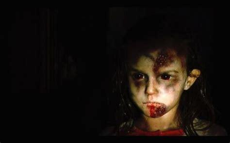 film zombie quarantine rec 2007 review basementrejects
