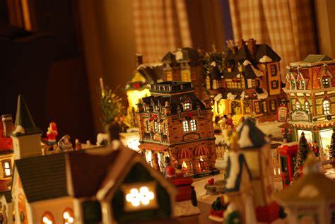 home decor wiki file decorative christmas village 2 jpg wikimedia commons