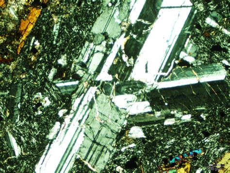 plagioclase twinning thin section plagioclase
