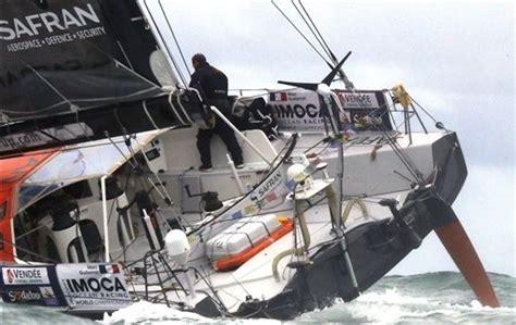 traduction safran bateau marc guillemot contraint 224 l abandon dans le vend 233 e globe