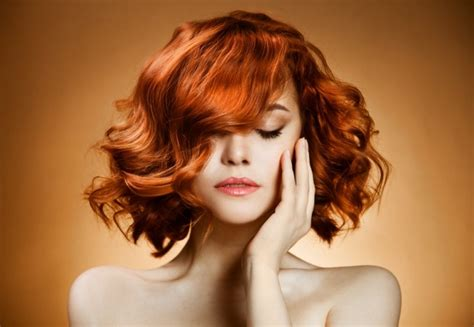 best redhead hairdo medium long slightly curly redhead hairstyles hair